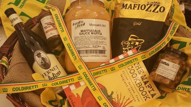 La mafia in tavola: un cesto di prodotti (Dire)