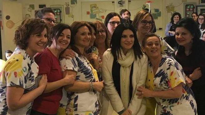 Laura Pausini all'ospedale Maggiore di Lodi