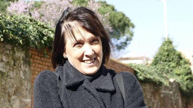Rita Piccioli, residente di via Sant'Orsola contraria alla possibilità  di aprire un varco nel muro antico