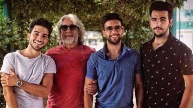 Michele Torpedine con i ragazzi de 'Il Volo'