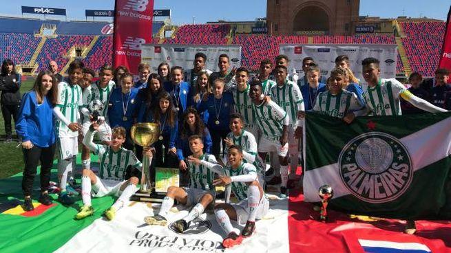 Inter e Palmeiras, vincitrici di We Love Football 2018, festeggiano insieme la vittoria