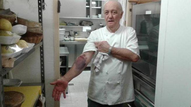L'oste Mario Cattaneo, 68 anni (Cavalleri)