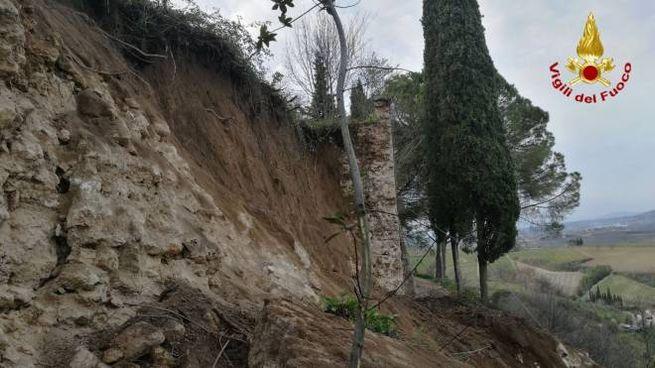 Franate parte delle mura medievali di San Gimignano