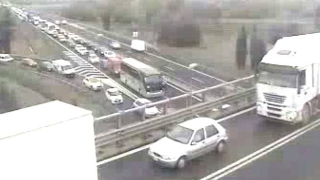 Le code a Prato Ovest (webcam Autostrade)