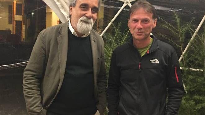 Beppe Vessicchio con Severino Doppi, presidente dell'Accademia Tesla
