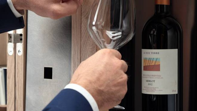 Il dispenser Wineemotion all'interno di Convivium