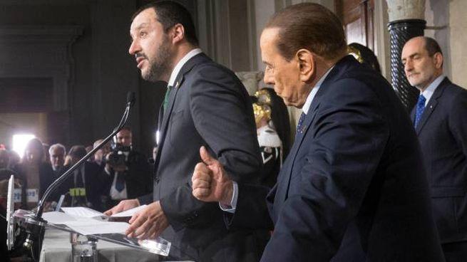 Matteo Salvini e Silvio Berlusconi dopo le consultazioni al Quirinale (ImagoE)