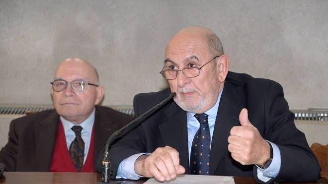 L'intervento di Luigi Casali con a fianco il professor Gino Fornaciari ieri in università