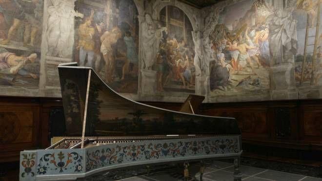 Bologna, uno degli strumenti musicali del Museo di San Colombano