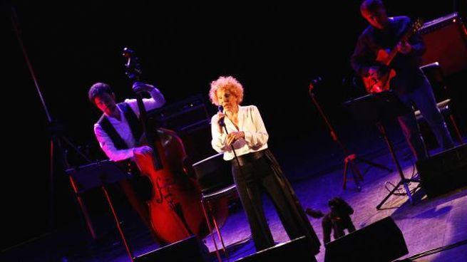 Ornella Vanoni al Teatro Verdi (foto Tania Bucci/NewPressPhoto)