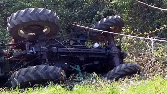 Un trattore ribaltato (Cardini)