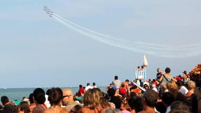 Le Frecce tricolori in occasione del 150° rossiniano sorvoleranno il mare davanti a Pesaro il 27 maggio