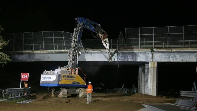 Demolizione ponte A21