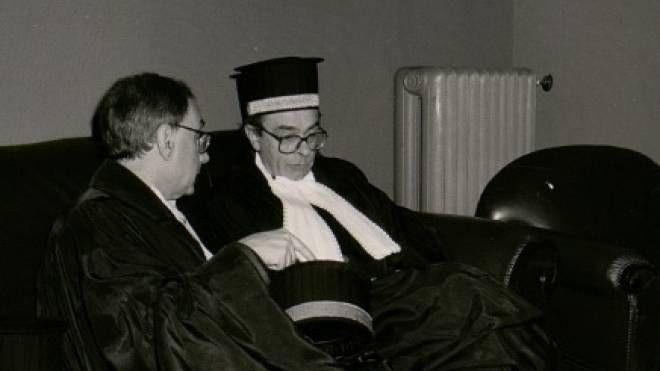 Il professor Armando Petrucci (a destra nella foto) con il professor Mario Rosa
