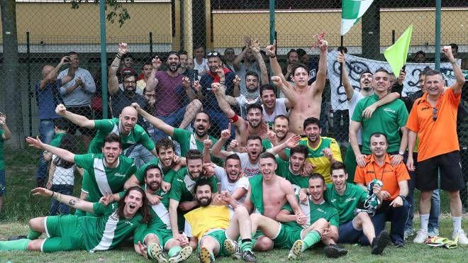 La festa per la promozione della Juvenilia in Prima Categoria (foto Montefusco)
