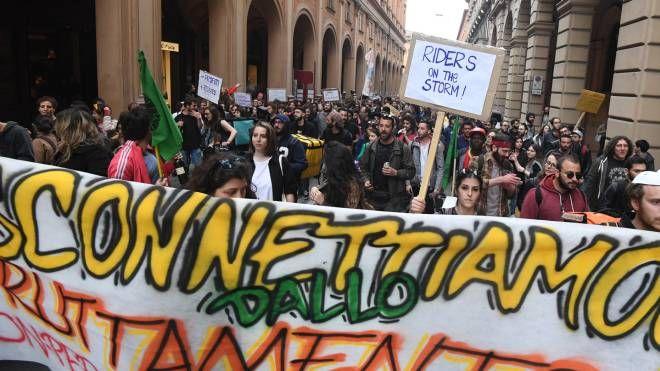 Il corteo di protesta dei Riders (Foto Schicchi)
