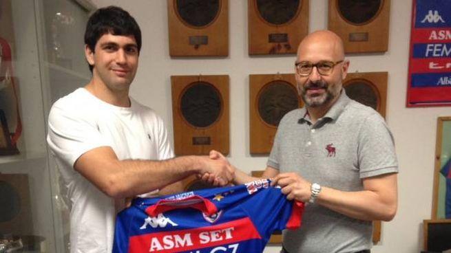Cicchinelli, a sinistra, con il presidente Azzi