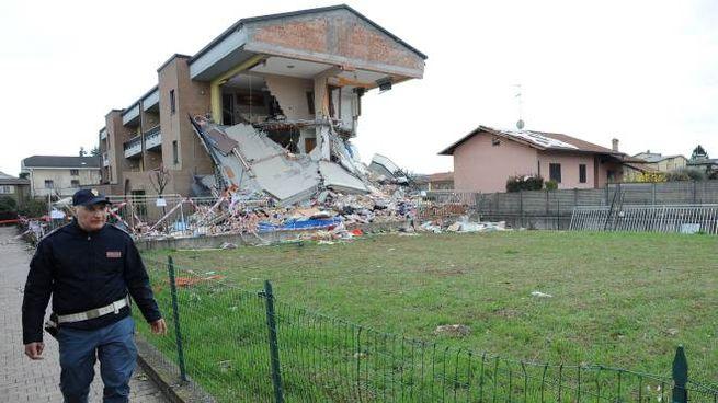 La palazzina crollata a Rescaldina