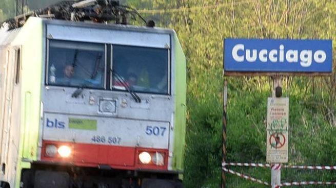 Un treno a Cucciago in un'immagine di archivio (Cusa)
