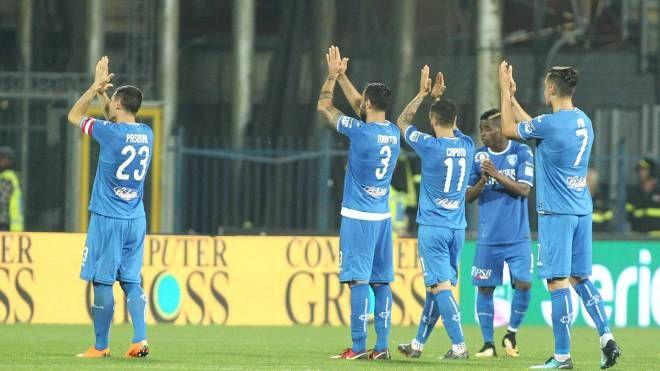 I giocatori dell'Empoli a fine partita (Tommaso Gasperini/Fotocronache Germogli)