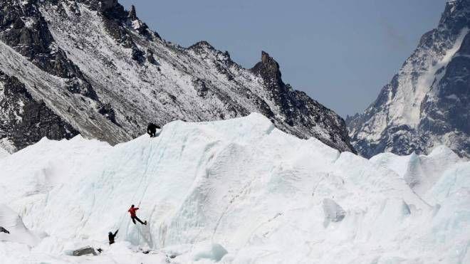 L'Everest (Afp)