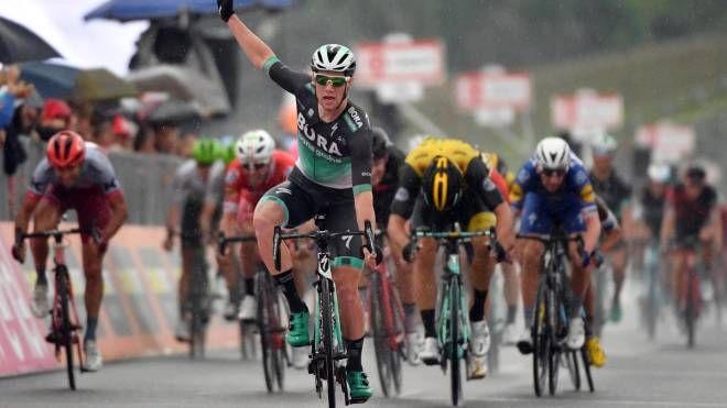 Bennet vince la 12esima tappa del Giro d'Italia a Imola (Ansa)