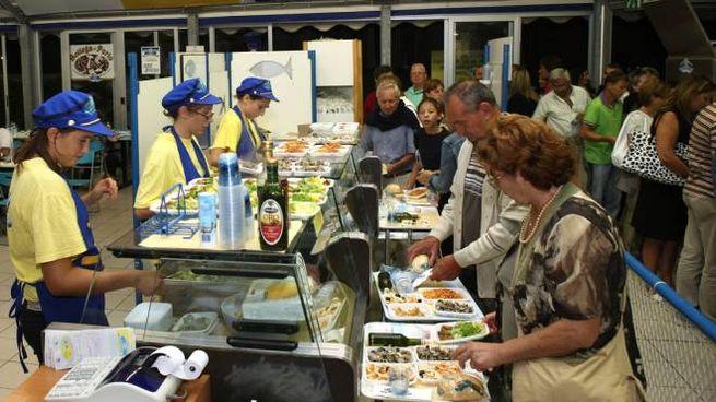 La società fanese di ristorazione Pesce Azzurro nacque nel 1979