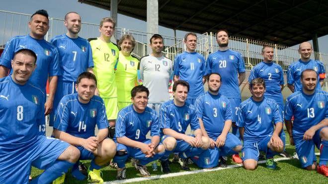 La Nazionale italiana in posa d'ordinanza