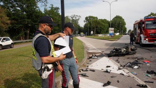 Cervia, incidente scooter-auto, morto il medico Antonio Passari (foto Corelli)