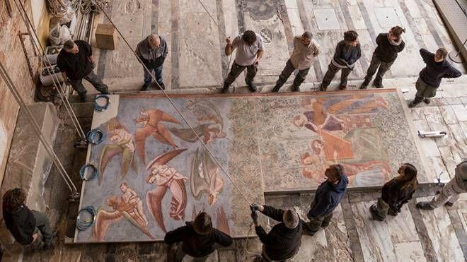 Il ricollocamento degli affreschi nel Camposanto