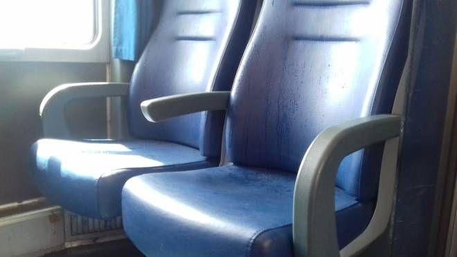 Il sedile bagnato del treno (Orlandi)