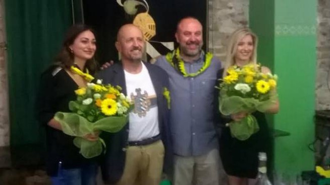 da sinistra Gloria Papa, il console Vitelli, il caposestiere Regnicoli e Carol Carosi