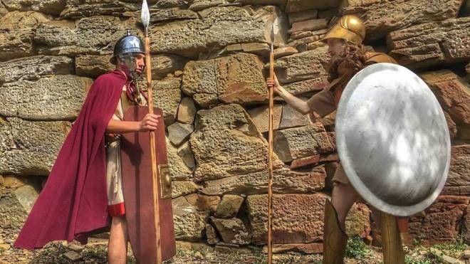 Viene simulata l'evoluzione della storia degli Etruschi per conoscere la loro civiltà