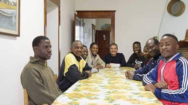 Profughi nella casa di Bagnile gestita dalla Giovanni XXIII