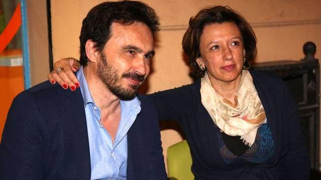 Manuela Sangiorgi con Claudio Frati, ex consigliere comunale grillino (Isolapress)
