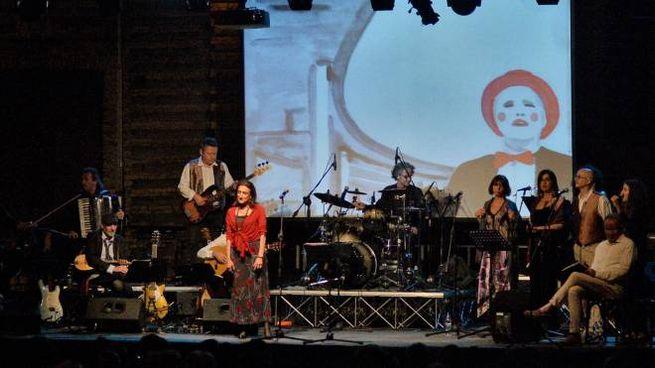 Il concerto in piazza (foto Calavita)