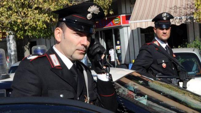 I carabinieri hanno messo le manette a un 39enne massese perché beccato a rubare la benzina