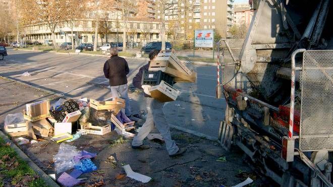 Servizio di raccolta rifiuti al collasso