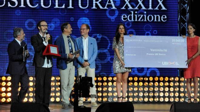 La premiazione allo Sferisterio (foto Calavita)