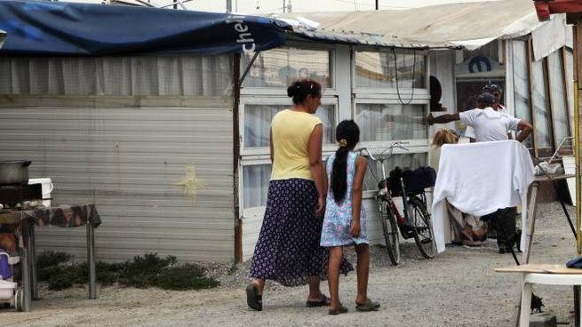 Un campo rom. Foto di repertorio  (Newpress)