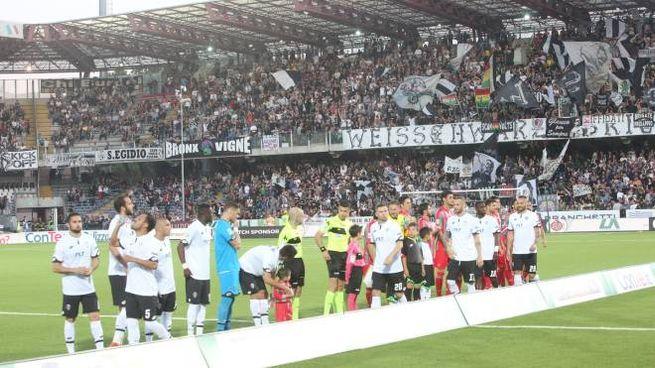 Il Cesena calcio (foto Luca Ravaglia)