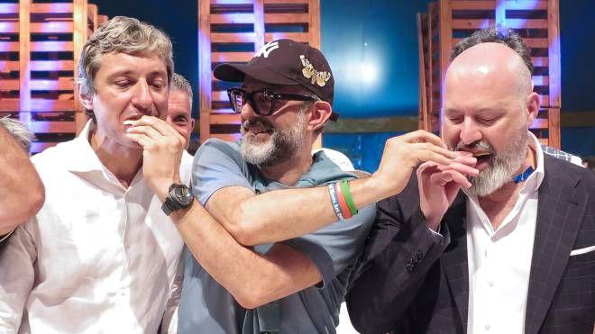 Andrea Gnassi, Massimo Bottura e Stefano Bonaccini (foto Pietrangeli)