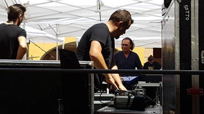 Antonello Venditti sul palco di corso Mazzini