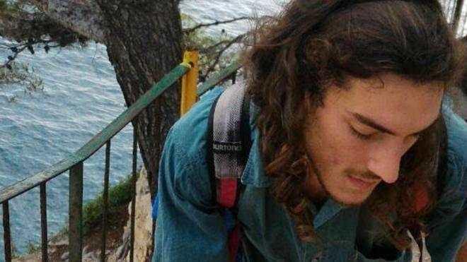 Una bella immagine di Alex Crippa, il 21enne che ha perso la vita