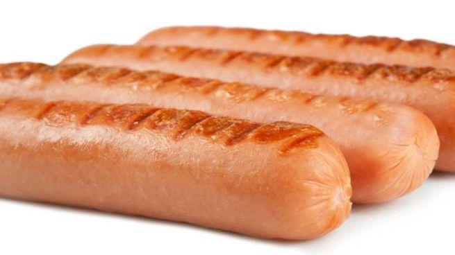 L'acqua con l'hot dog è un toccasana per il corpo? - Foto: fotograv/iStock