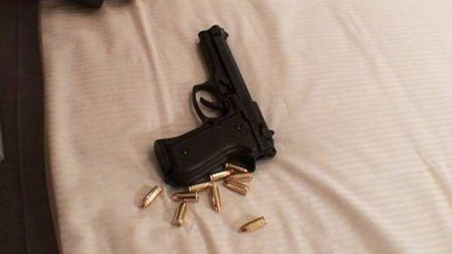 Una pistola (Ansa)