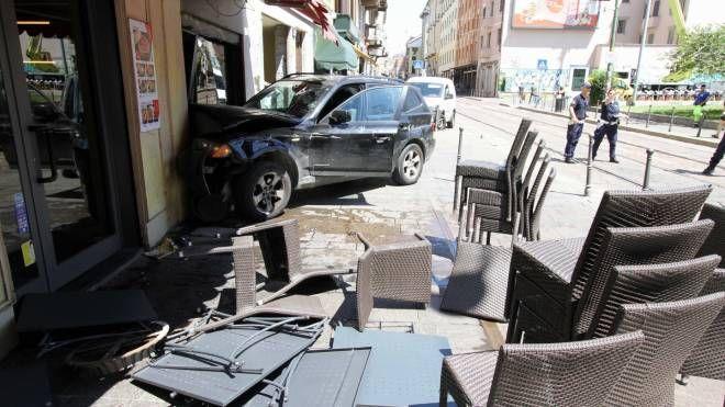Il suv incidentato in corso di Porta Ticinese