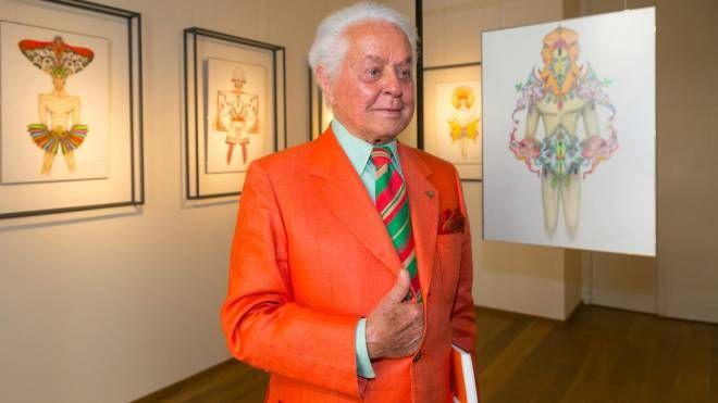Lo stilista Roberto Capucci (Ansa)