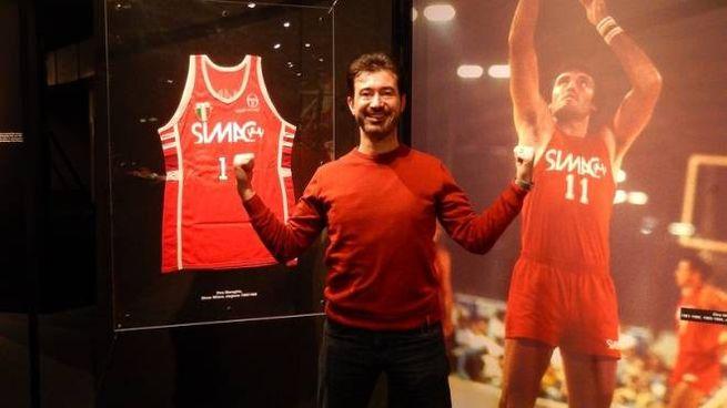 Bruno Alberti è il maggior collezionista di maglie dell'Olimpia