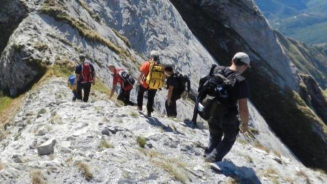 Escursionisti sulle Apuane